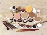THEATER KIT MAKEUP - CAKE MAKE UP